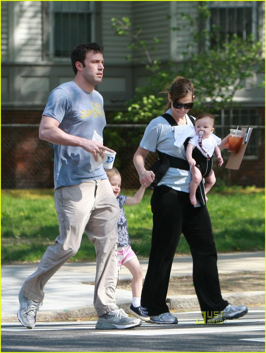 Full Sized Photo of jennifer garner ben affleck family ...