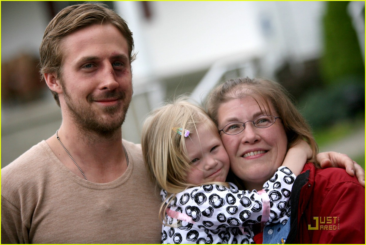 ryan gosling black eye 011906831