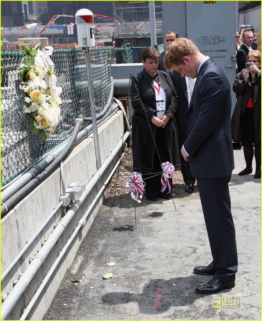 prince harry pays respects 031955461