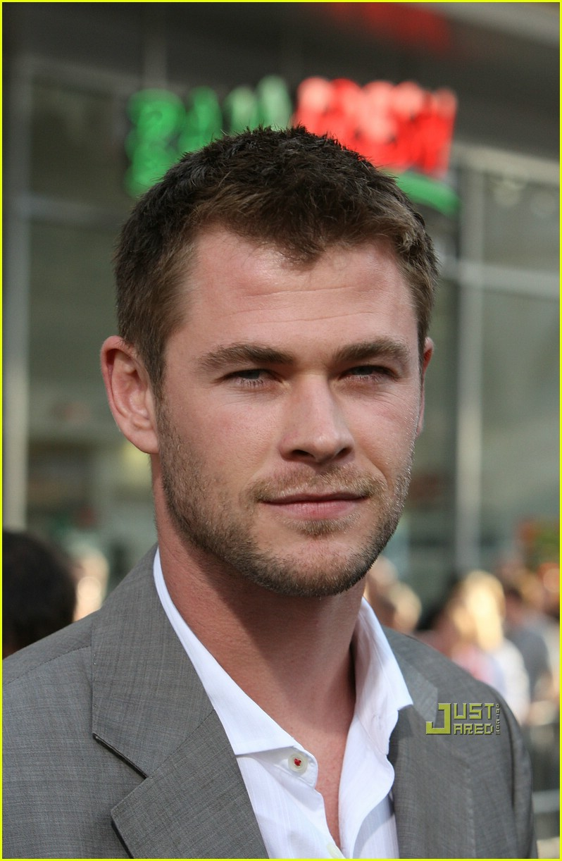 chris hemsworth thor 061925781