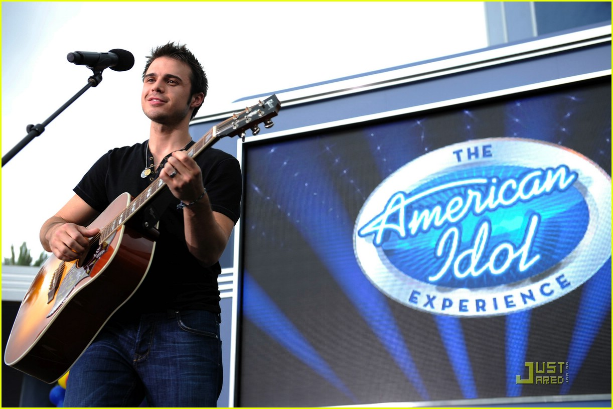 kris allen minnie mouse 021953681