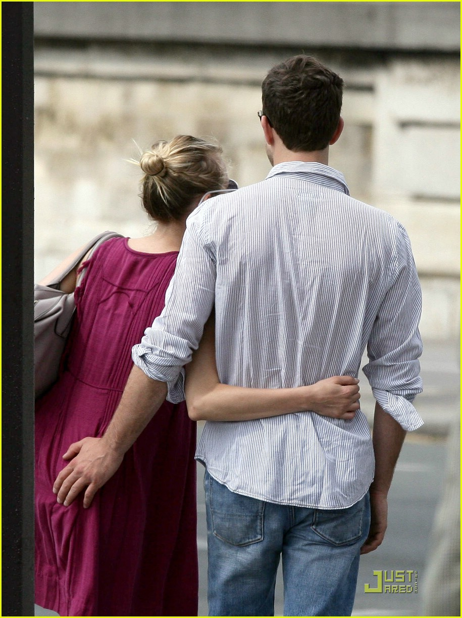 diane kruger joshua jackson kissing couple 131905521