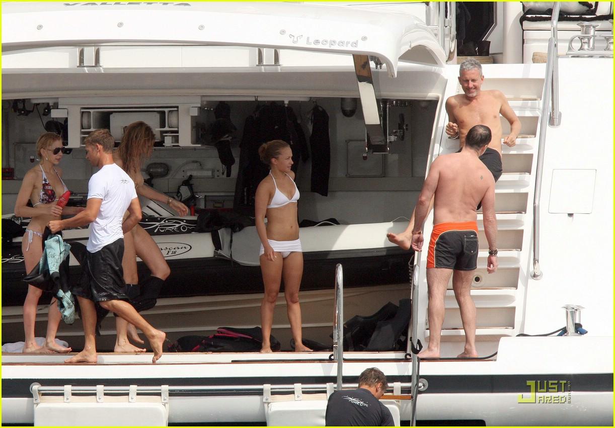 hayden panettiere white hot bikini 091941211