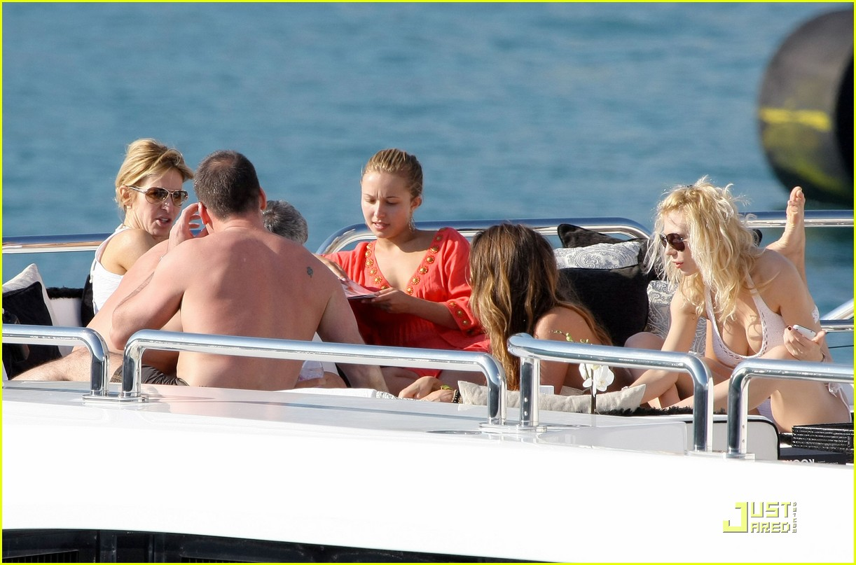 hayden panettiere cannes cruising 02