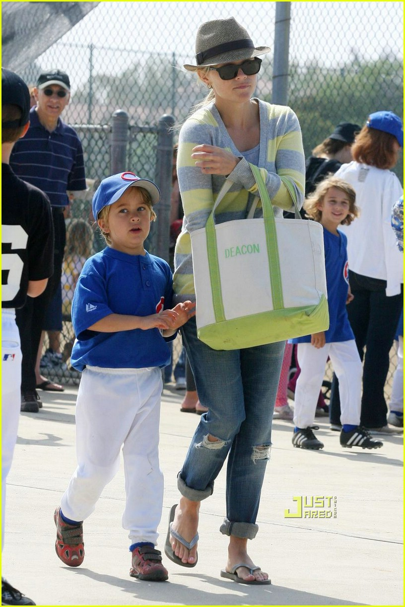 reese witherspoon little league 041926261