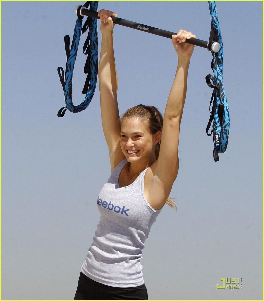 bar refaeli trapeze school 081905021