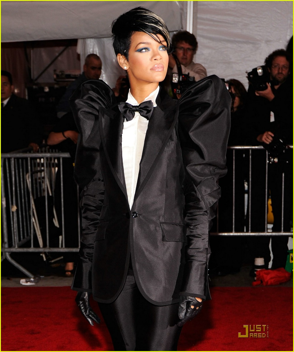 rihanna met costume institute gala 2009 131898731