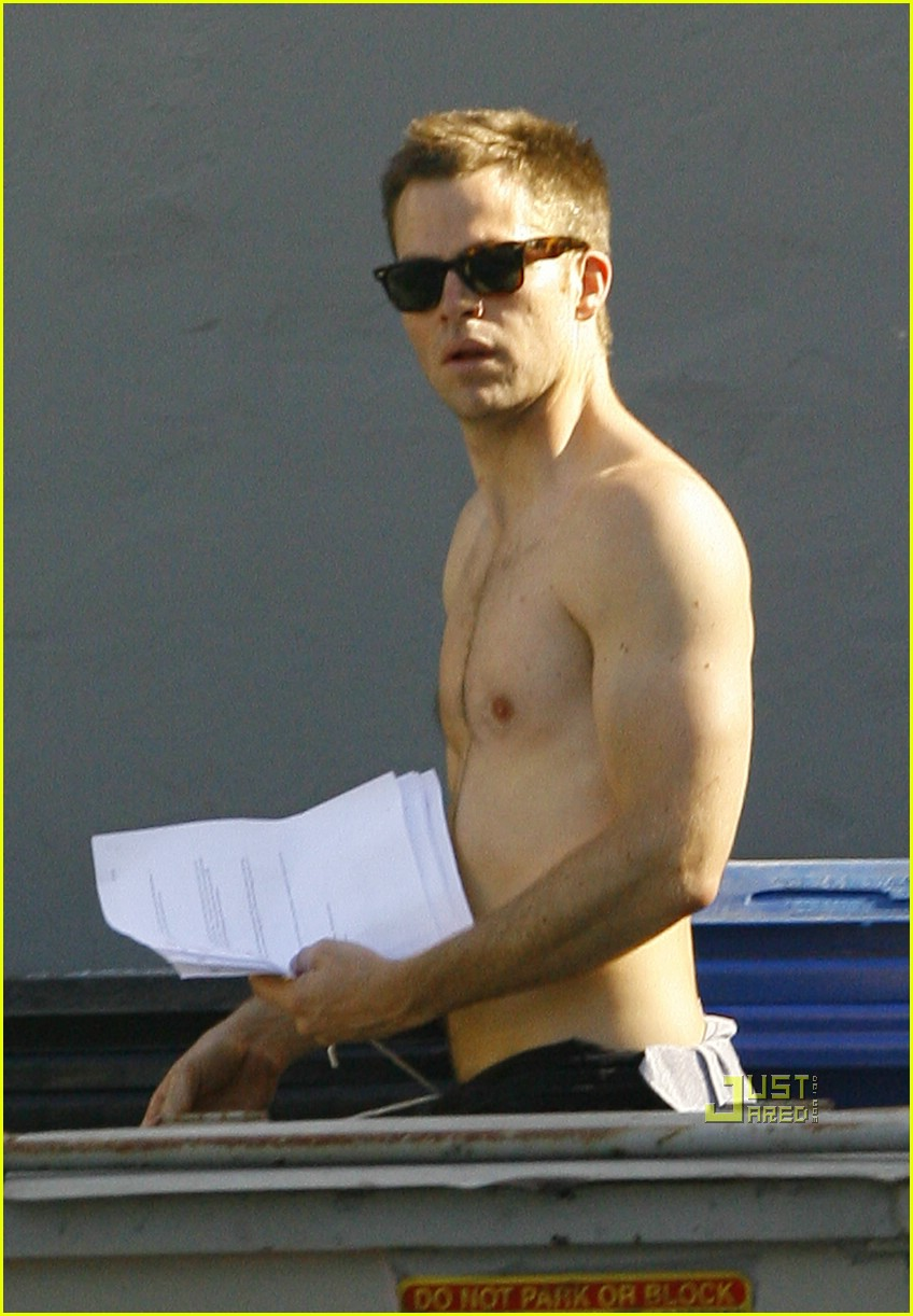 chris pine shirtless picking nose 131928821