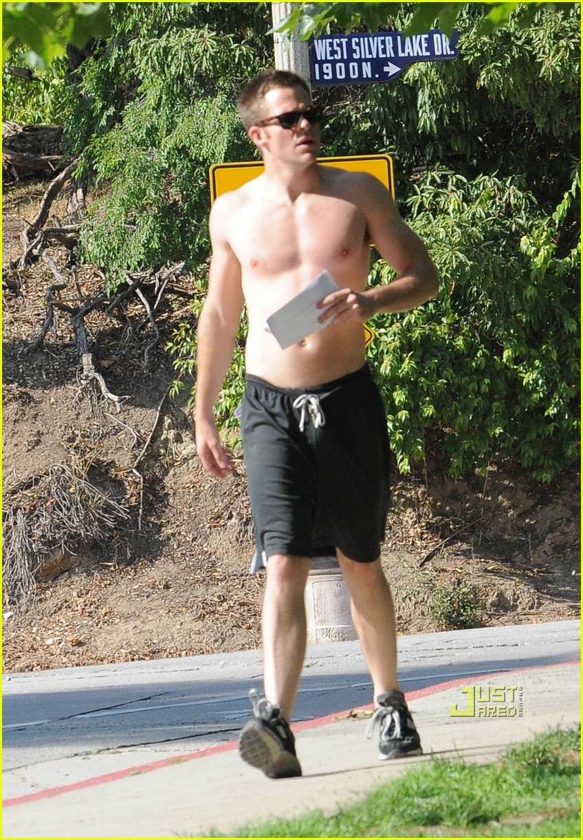 chris pine shirtless picking nose 281928971