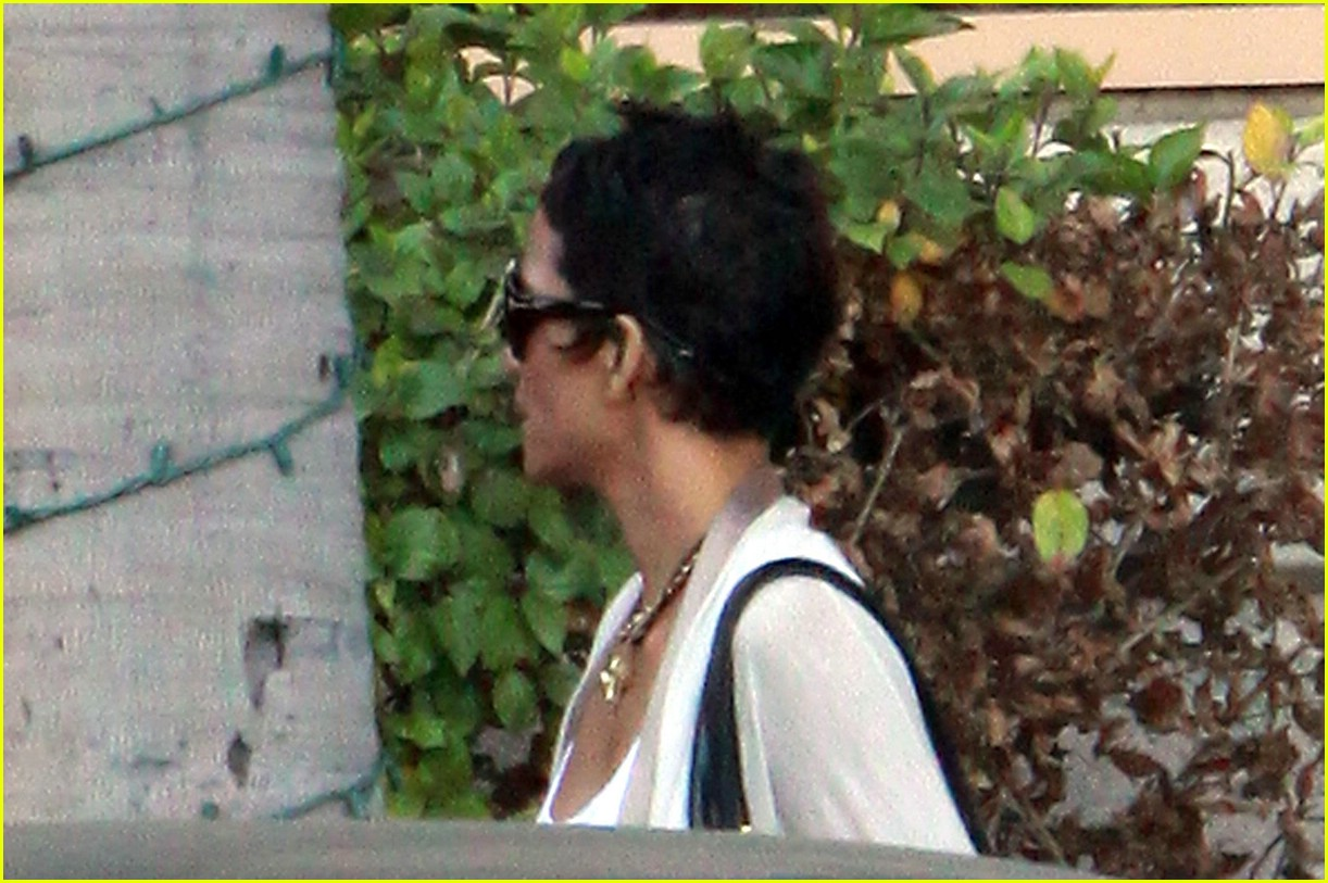 halle berry new short hair 041942421