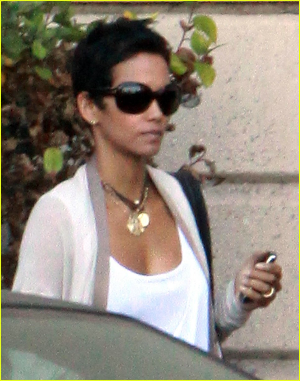 halle berry new short hair 11