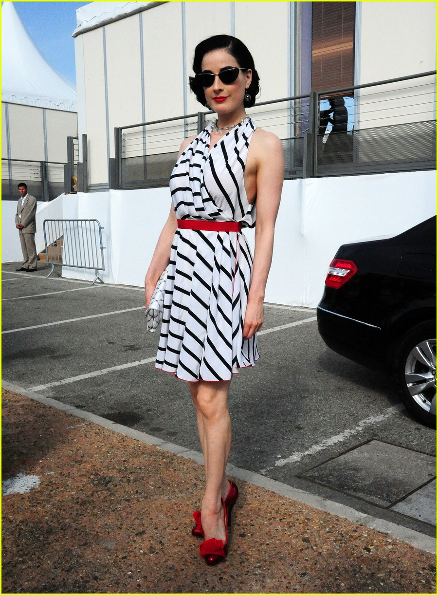 dita von teese stripes out 061941591
