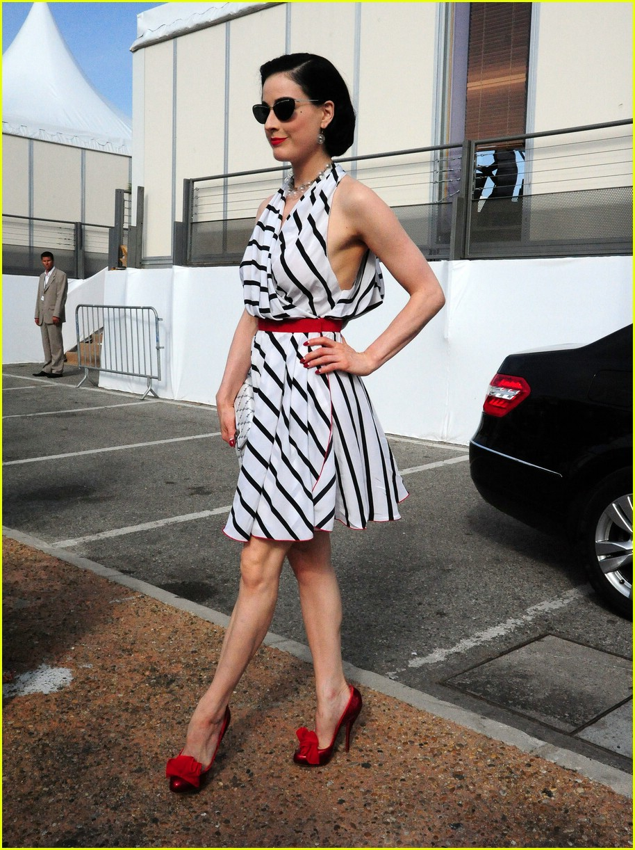 dita von teese stripes out 101941631