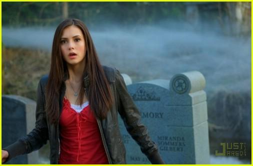 vampire diaries 021936561