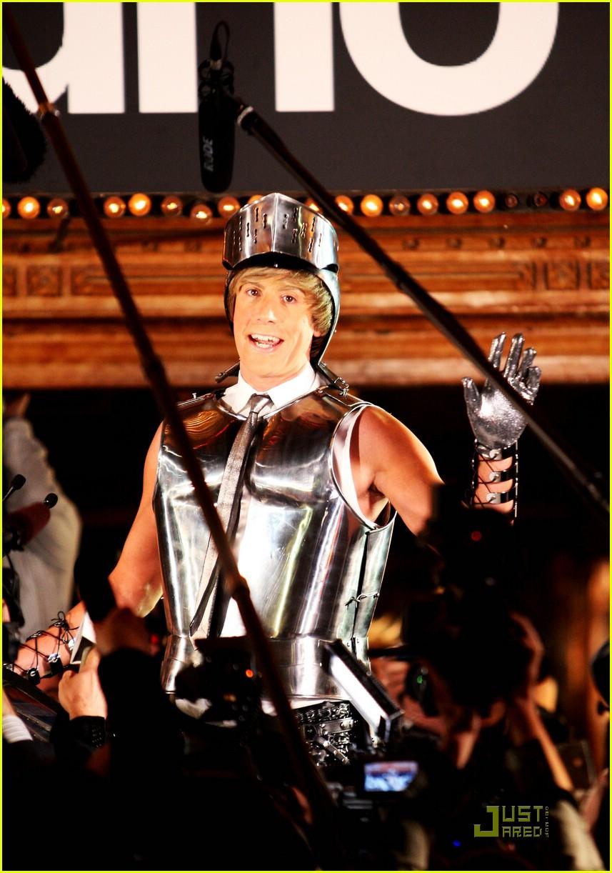 sacha baron cohen armor bruno 172022011