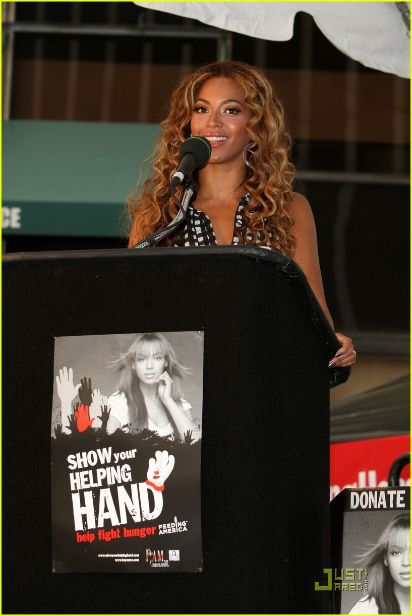beyonce show your helping hand 16