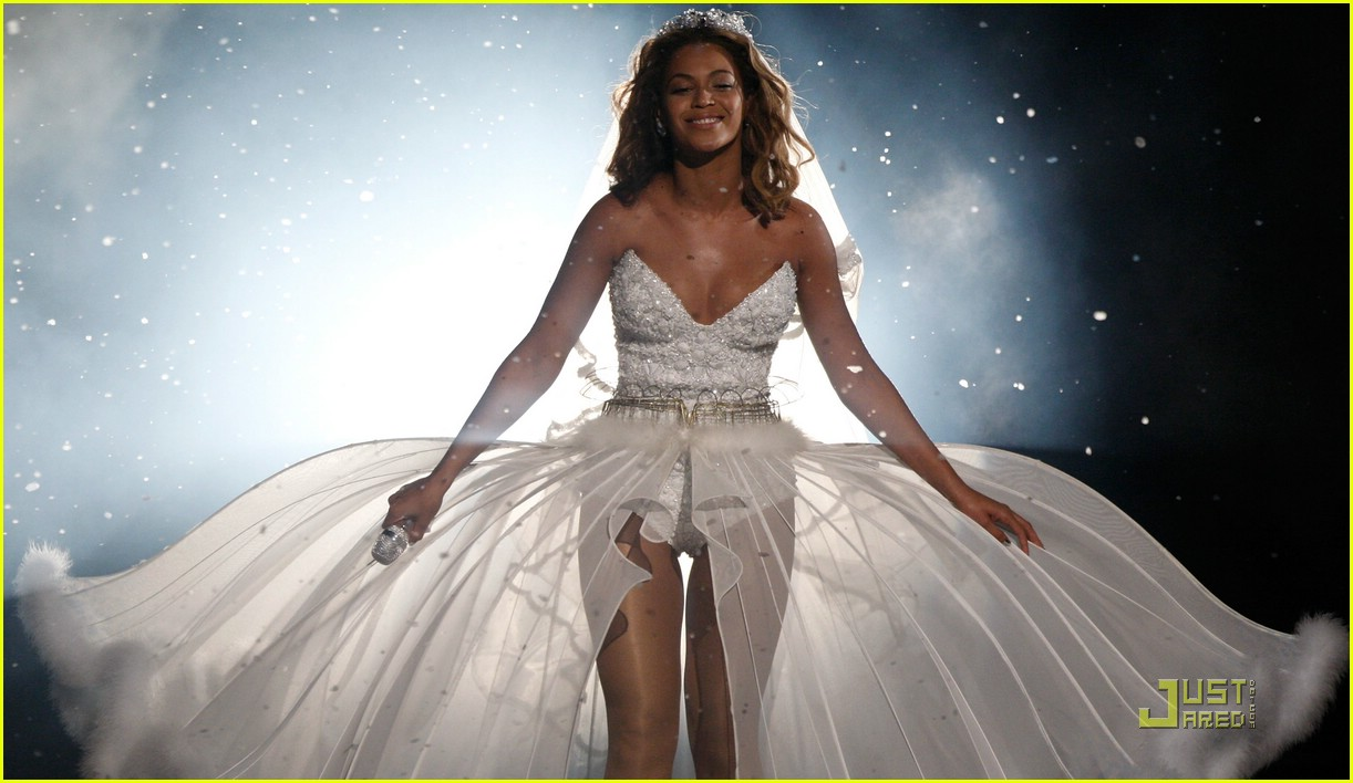 beyonce 39 s wedding dress bet awards performance video