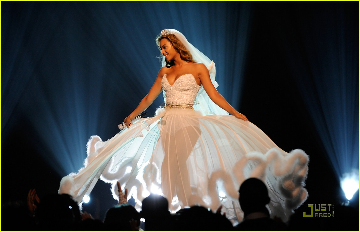 Full sized photo of beyonce wedding dress 20 photo for Beyonce wedding dress pictures