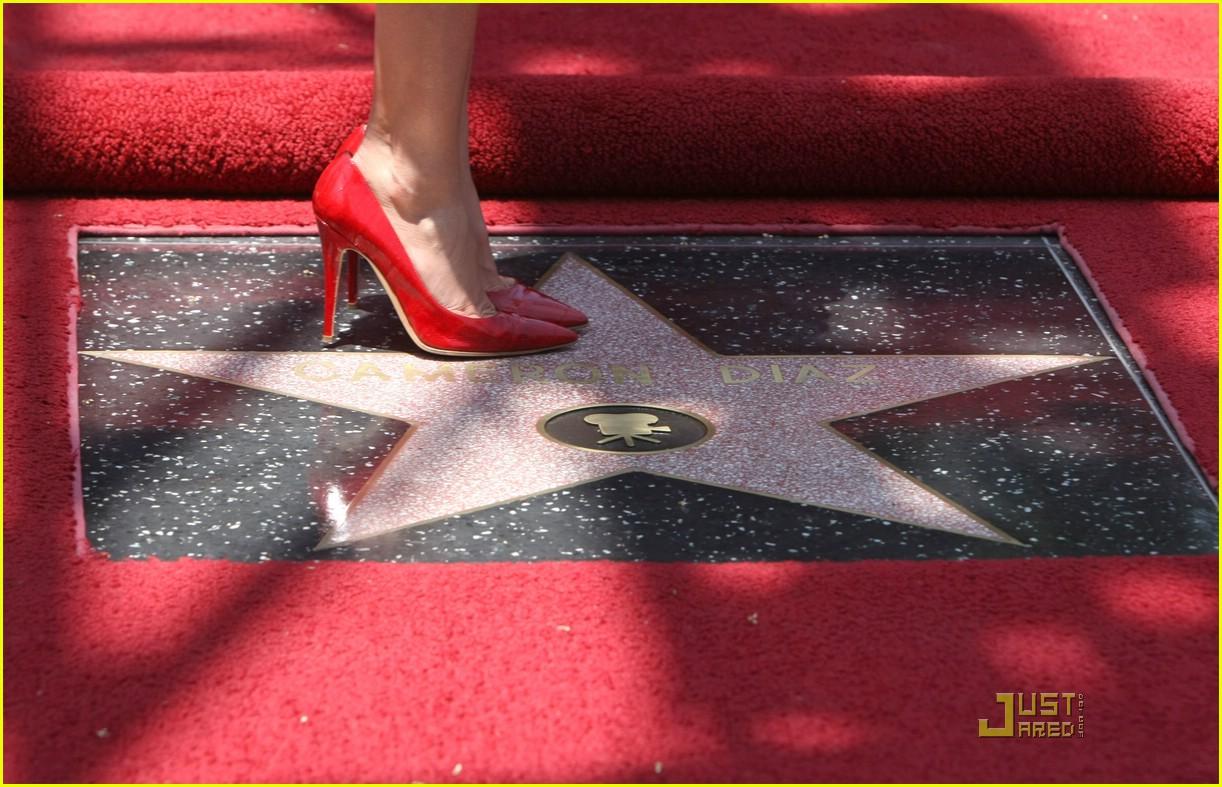 full sized photo of cameron diaz star hollywood walk of