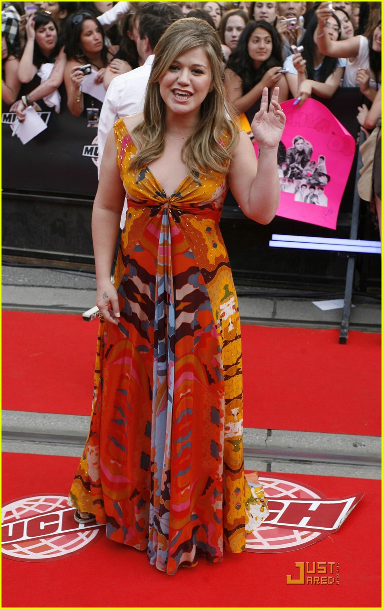 kelly clarkson much music red carpet 012002601