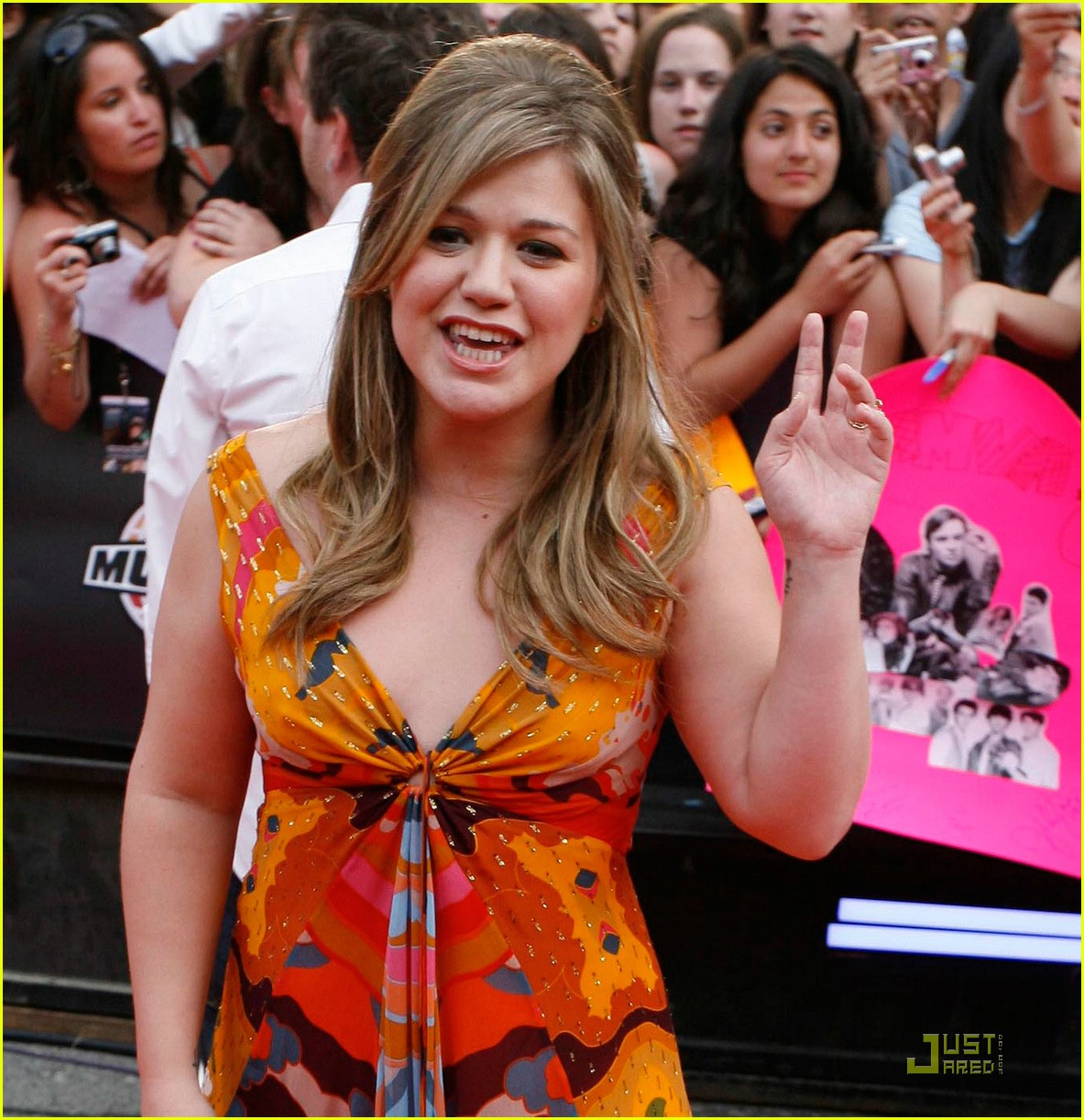 kelly clarkson much music red carpet 042002631