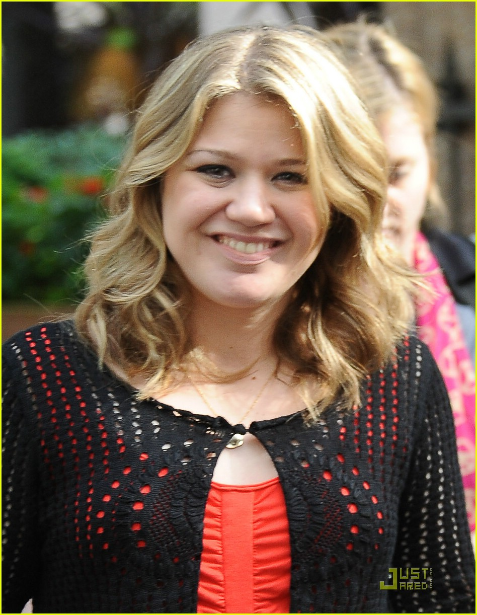 kelly clarkson super nova 021961901