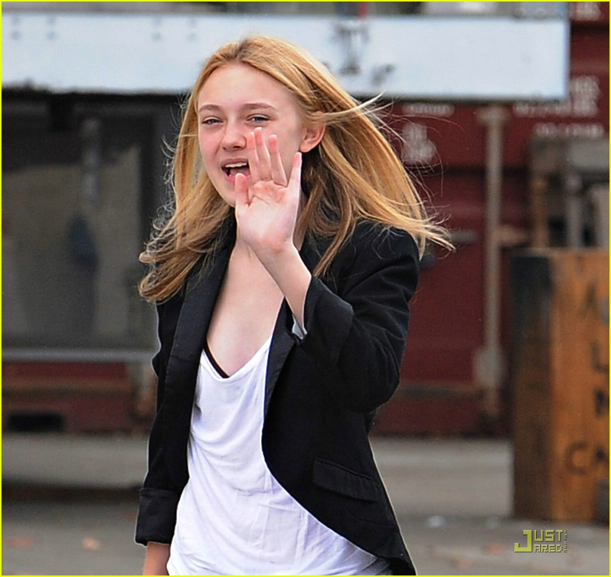 dakota fanning tie dyed terrific 10