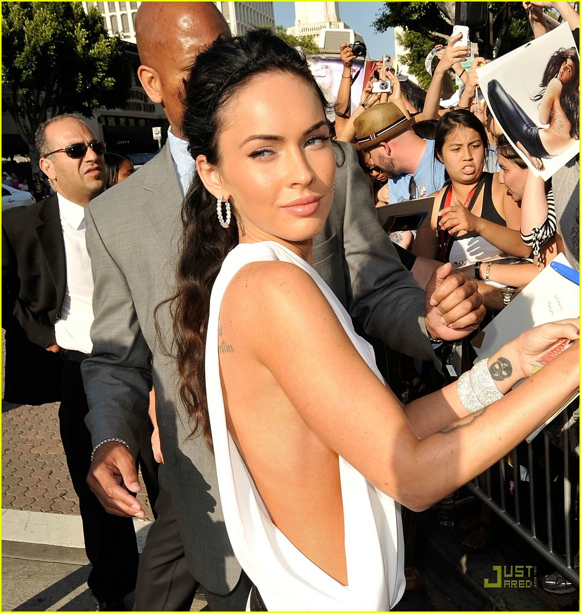 megan fox toga terrific 082005331