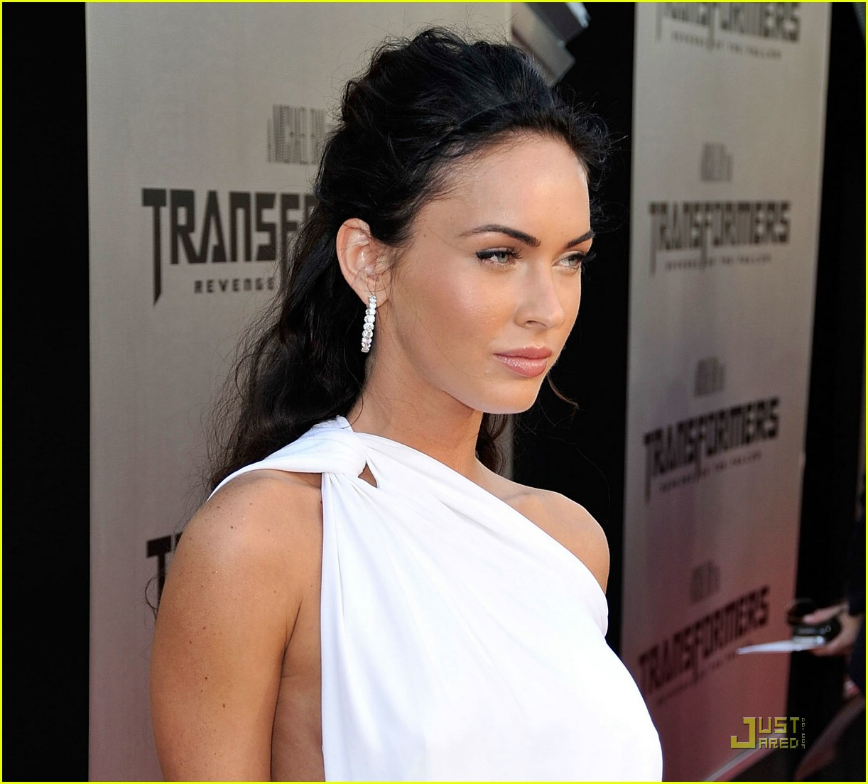 megan fox toga terrific 102005351