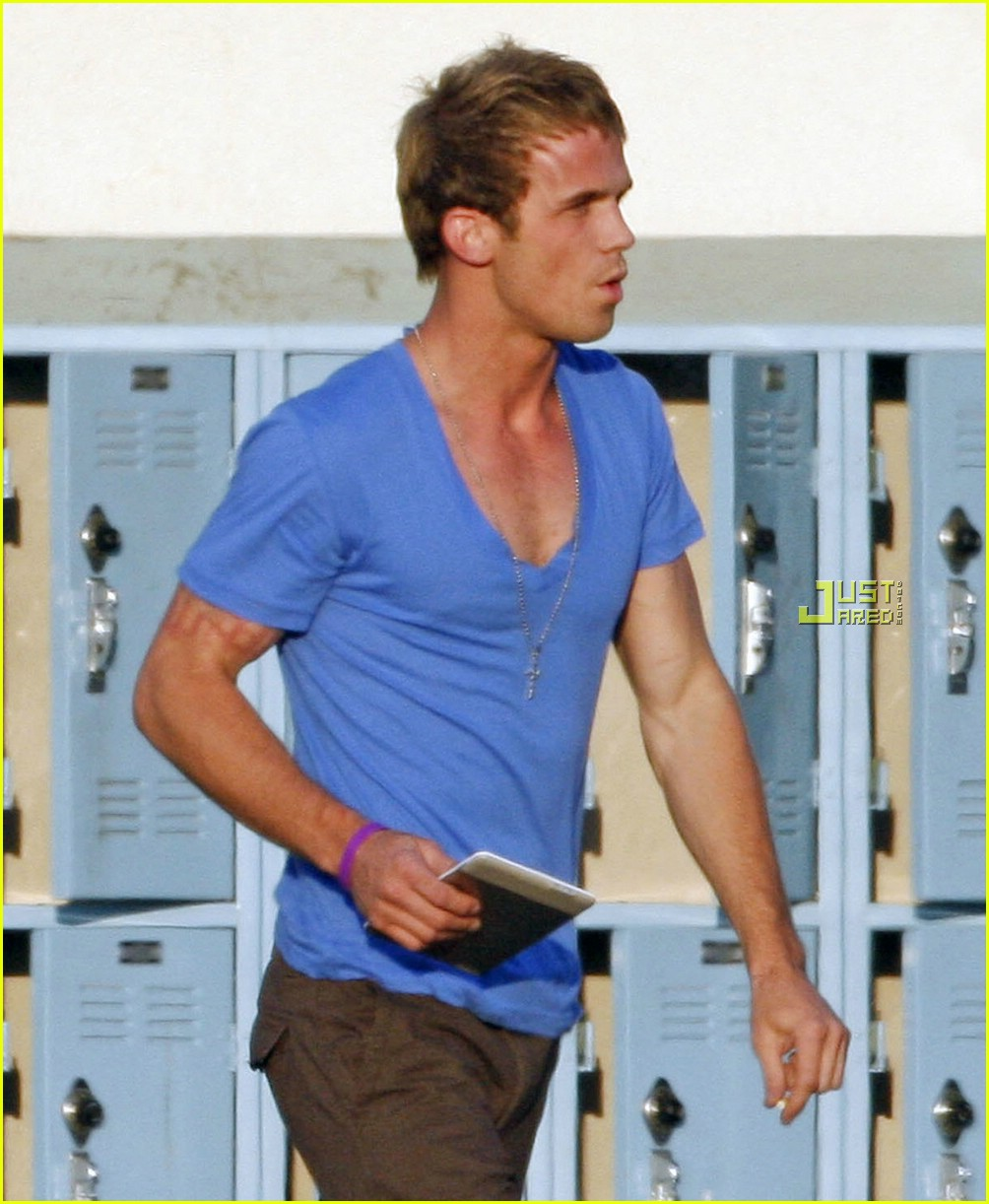Full Sized Photo of cam gigandet easy a movie set 09 | Photo 1998211 ... Camgigandet