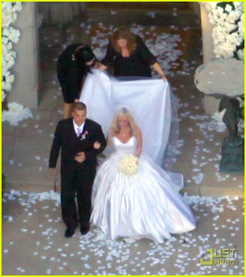 Kendra Wilkinson Wedding Pictures -- FIRST LOOK!: Photo 2018131 ...