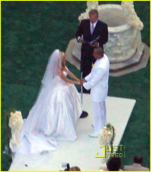 Kendra Wilkinson Wedding Pictures -- FIRST LOOK!: Photo 2018201 ...