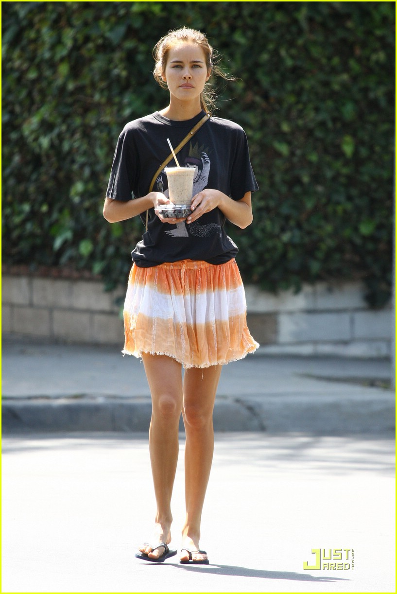 Isabel Lucas Brings Transformers To Life: Photo 2006641 | Isabel Lucas  Pictures | Just Jared