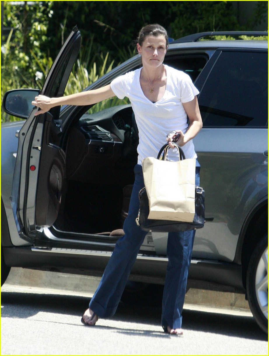 bridget moynahan fun with friends 022003141