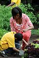 michelle obama white house kitchen garden 08
