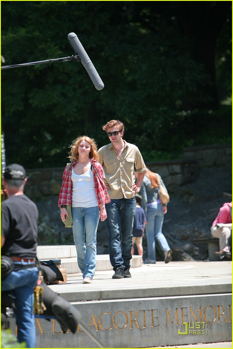 robert pattinson central park 04