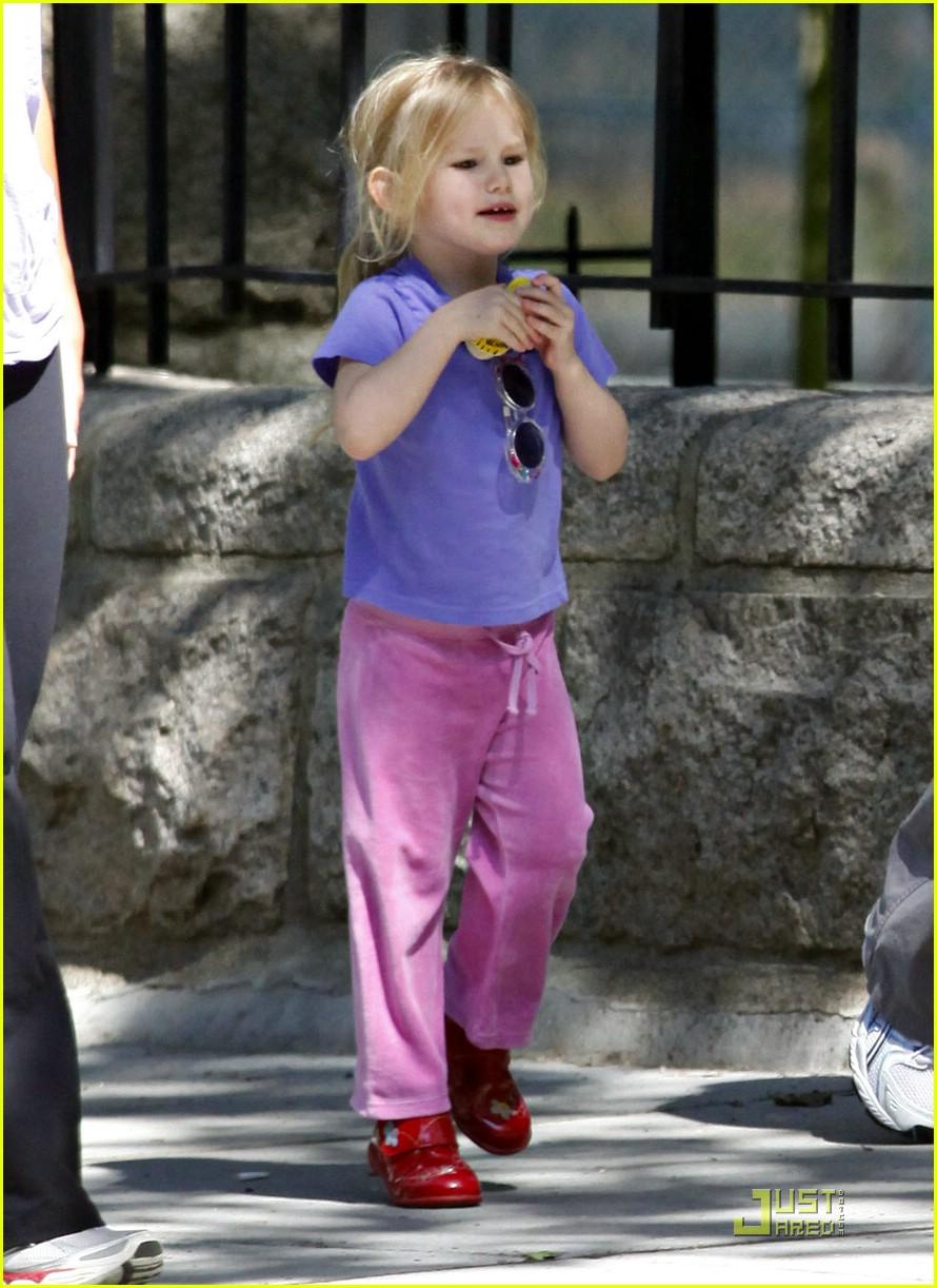 violet affleck sunglasses 021985911
