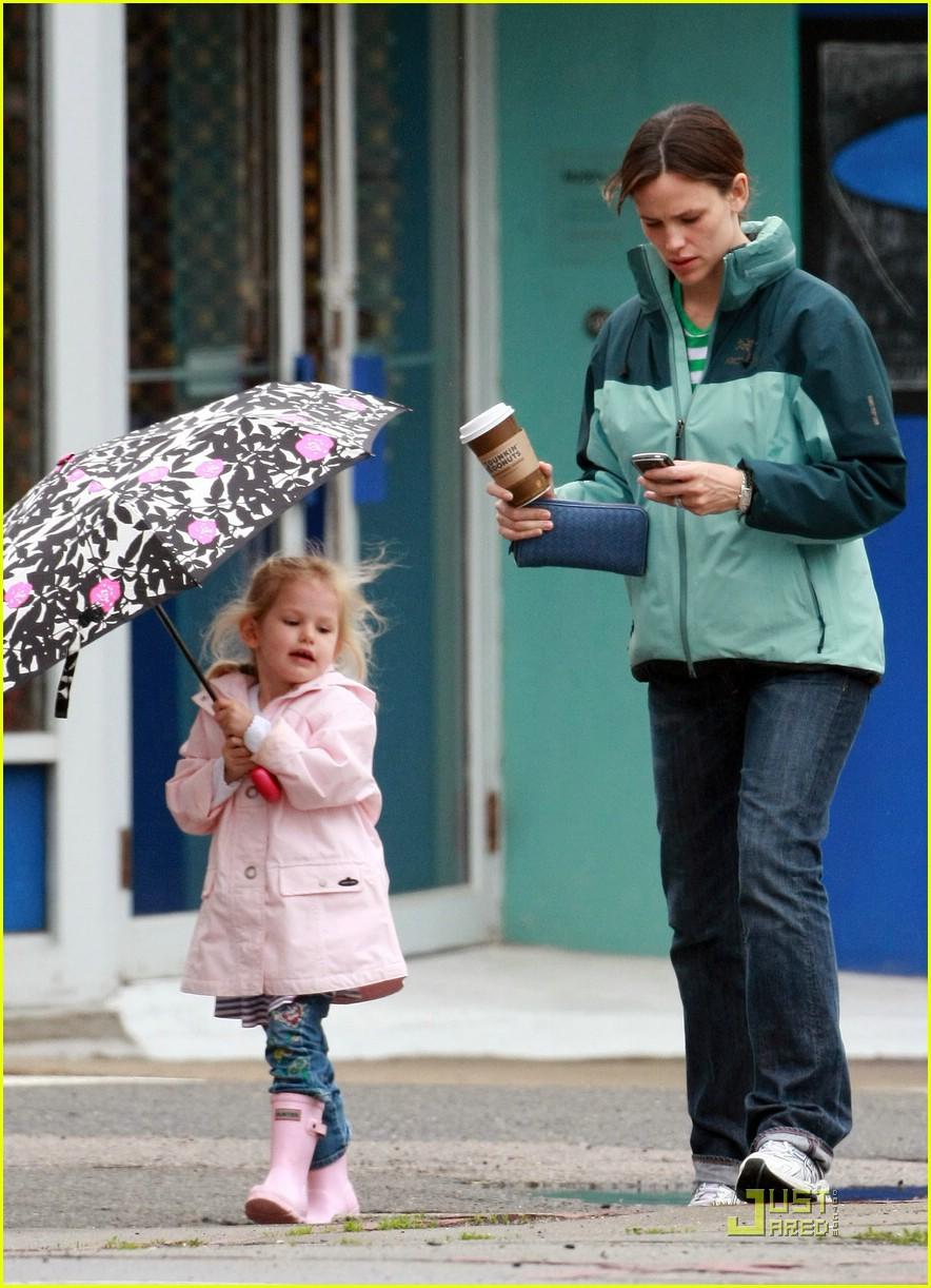 violet affleck umbrella 151979261