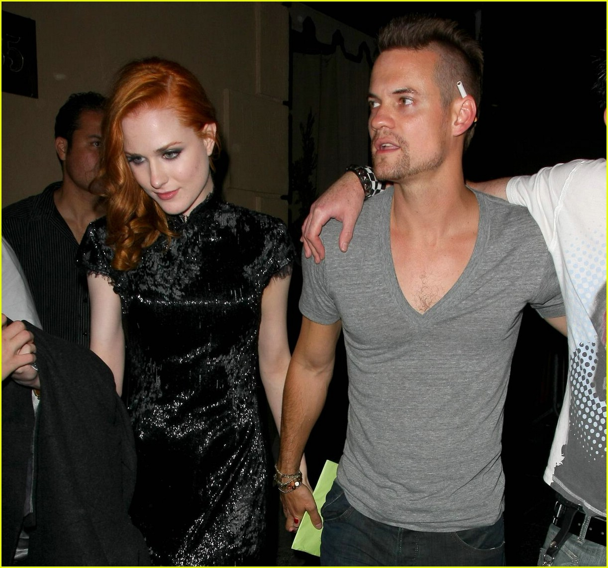evan rachel wood shane west hold hands 031973291