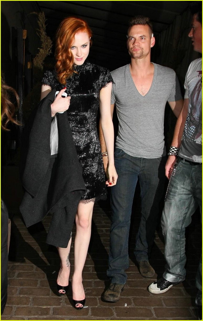 evan rachel wood shane west hold hands 041973301
