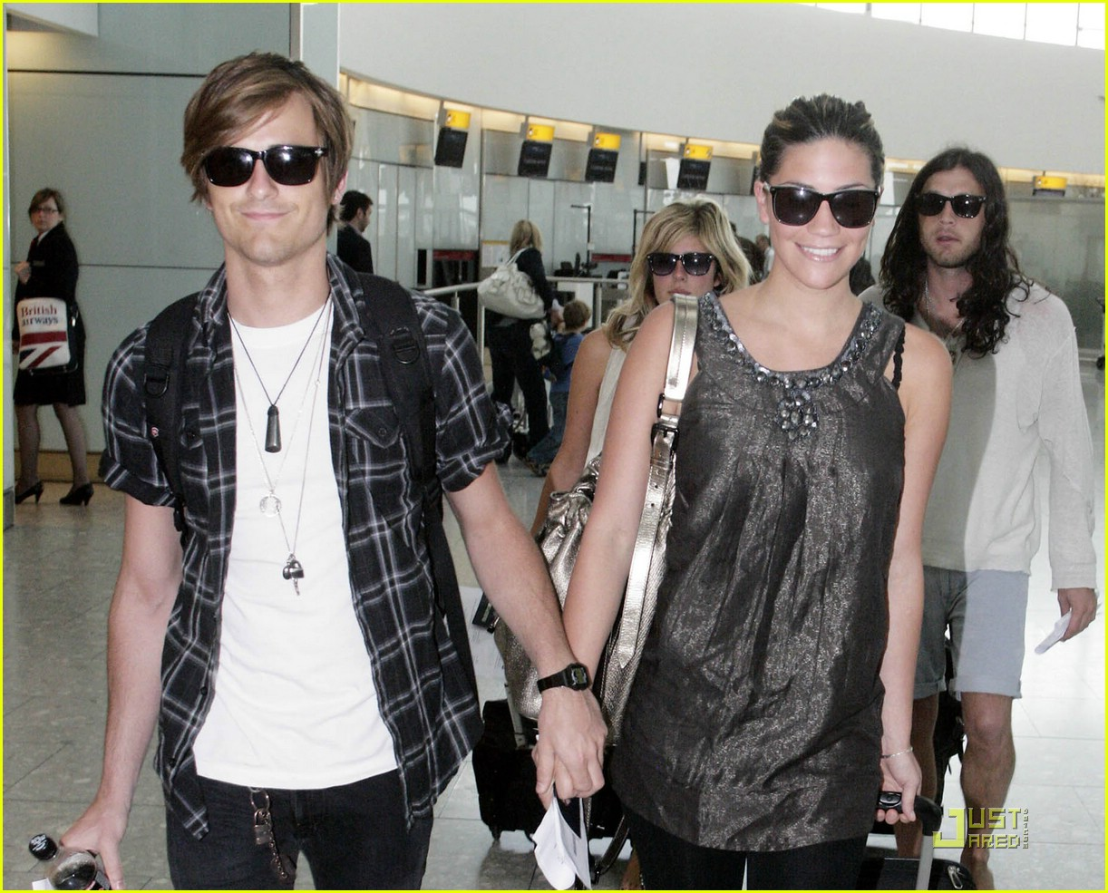 jared followill alisa torres heathrow airport 022063011