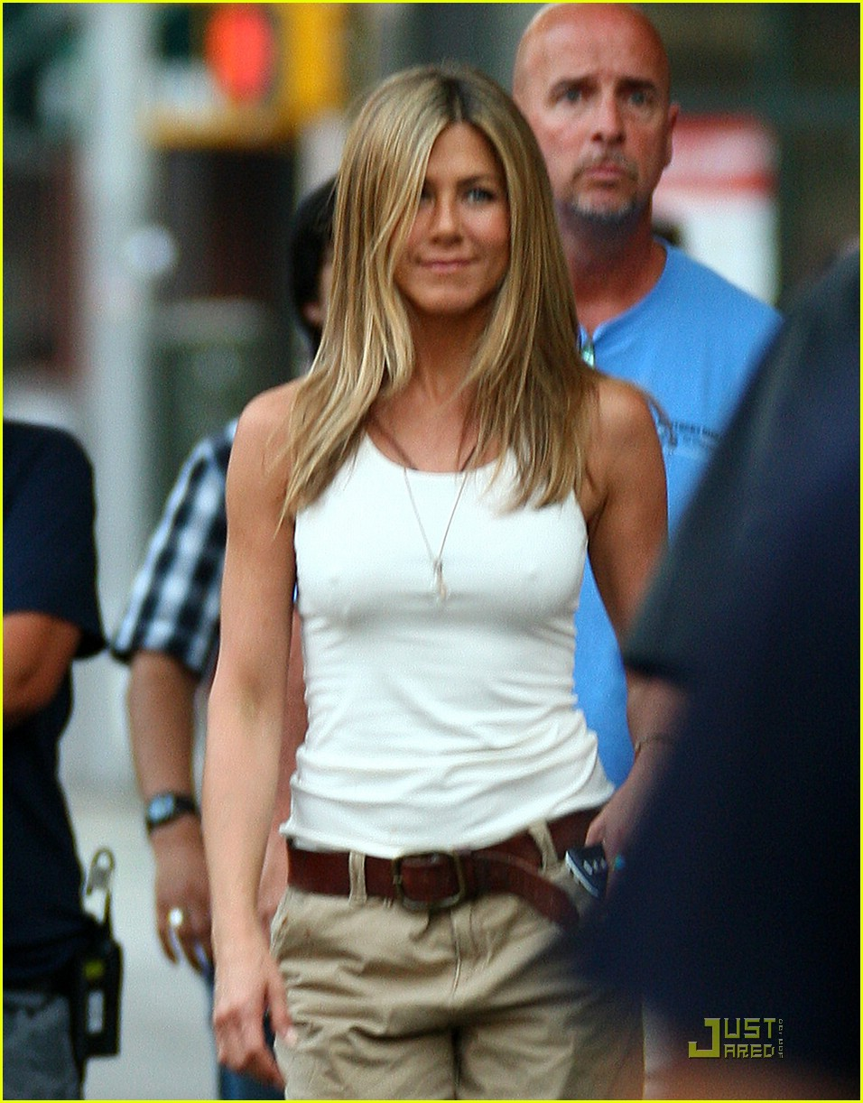jennifer aniston dog poo 032056821