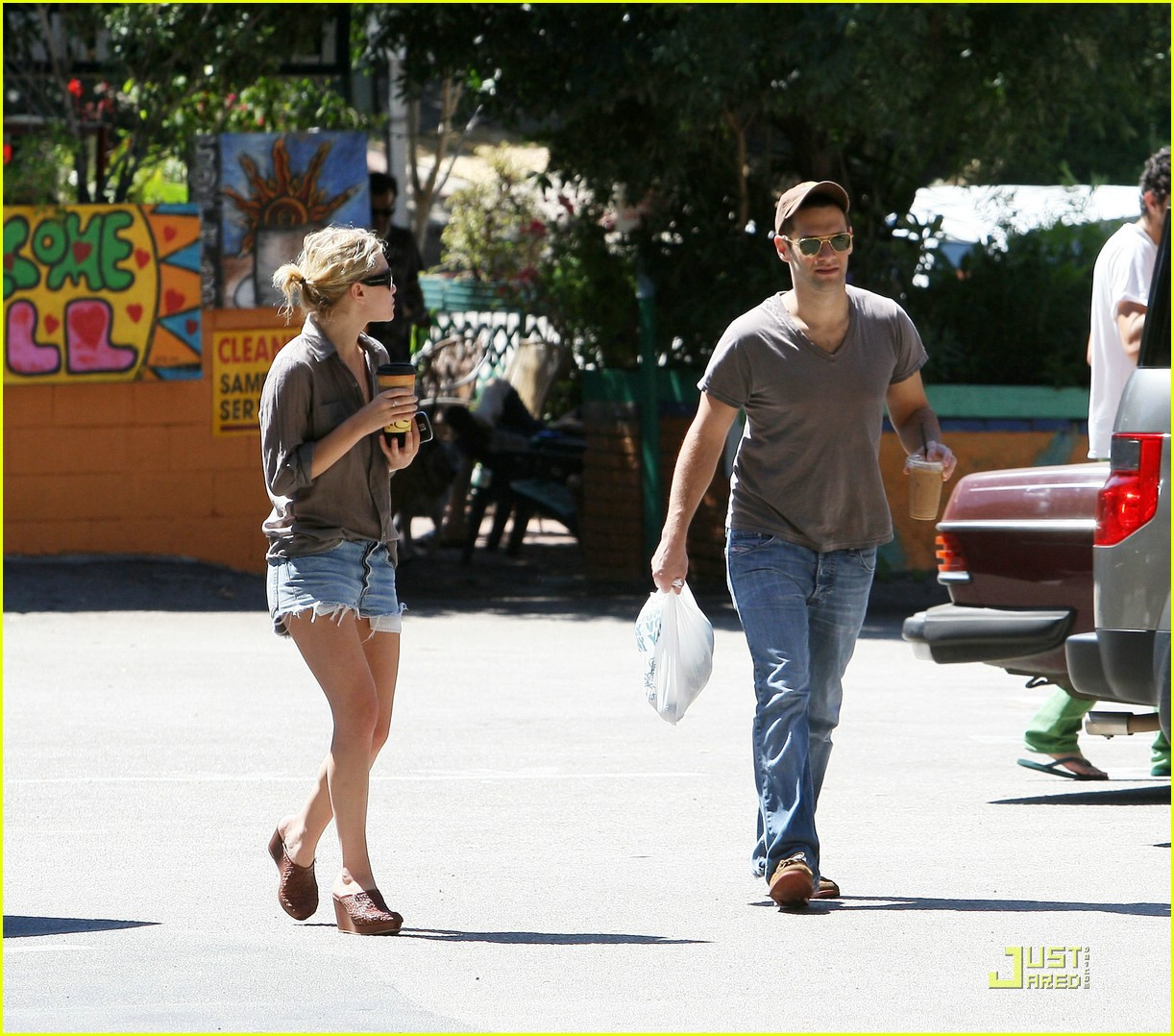 ashley olsen justin bartha coffee couple 112048031