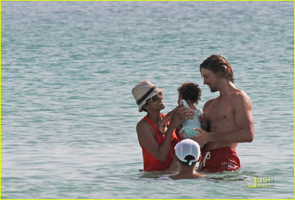 gabriel aubry shirtless 17