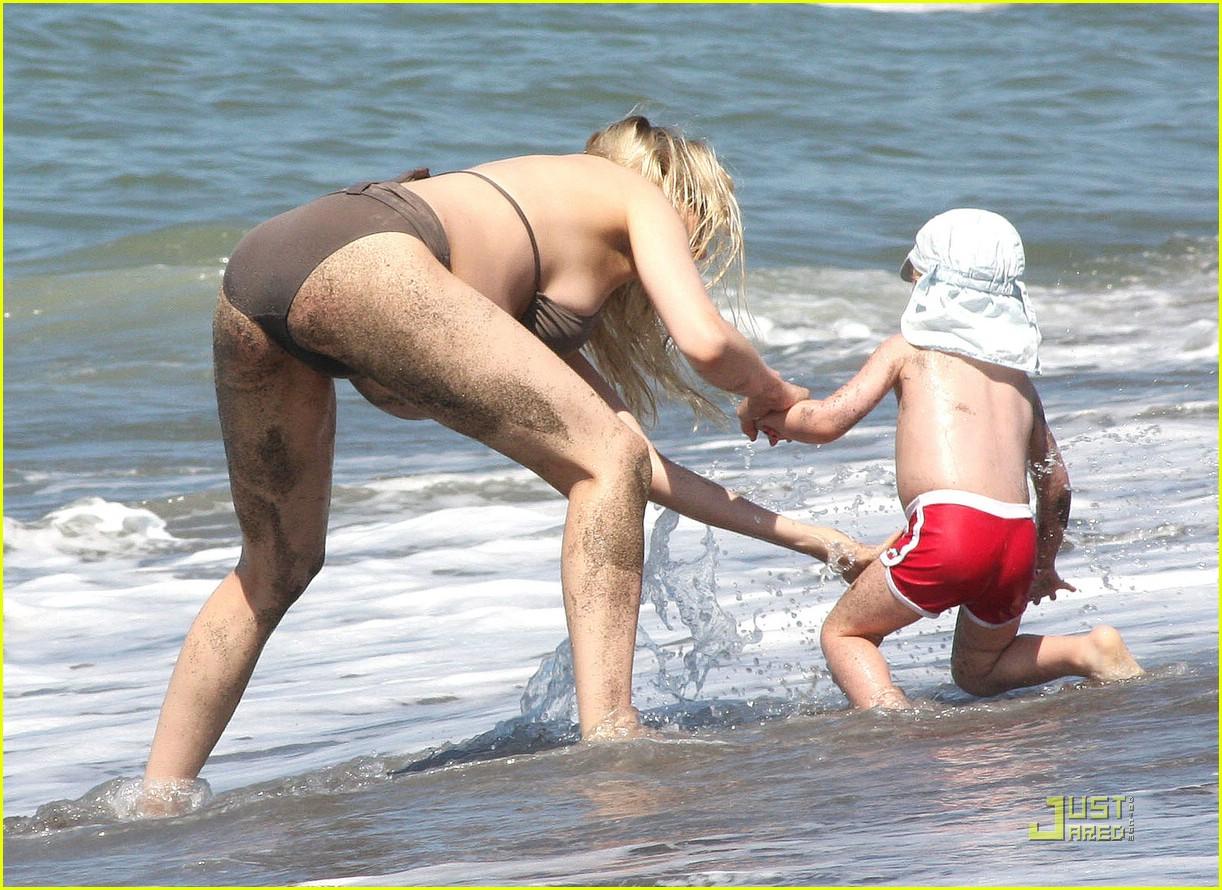 laetitia casta bikini baby bump 172042861