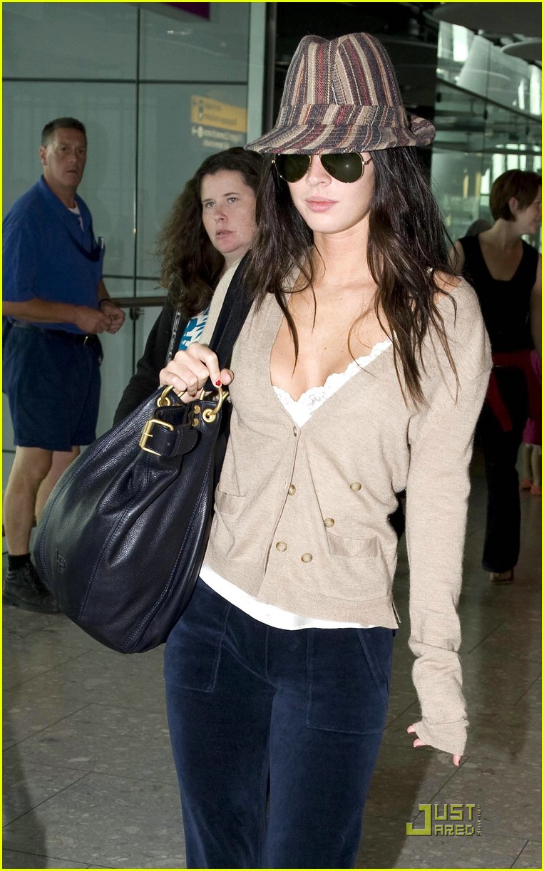 megan fox across pond pretty 042035451