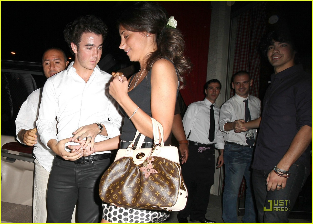 kevin jonas engagement party danielle deleasa 052029771