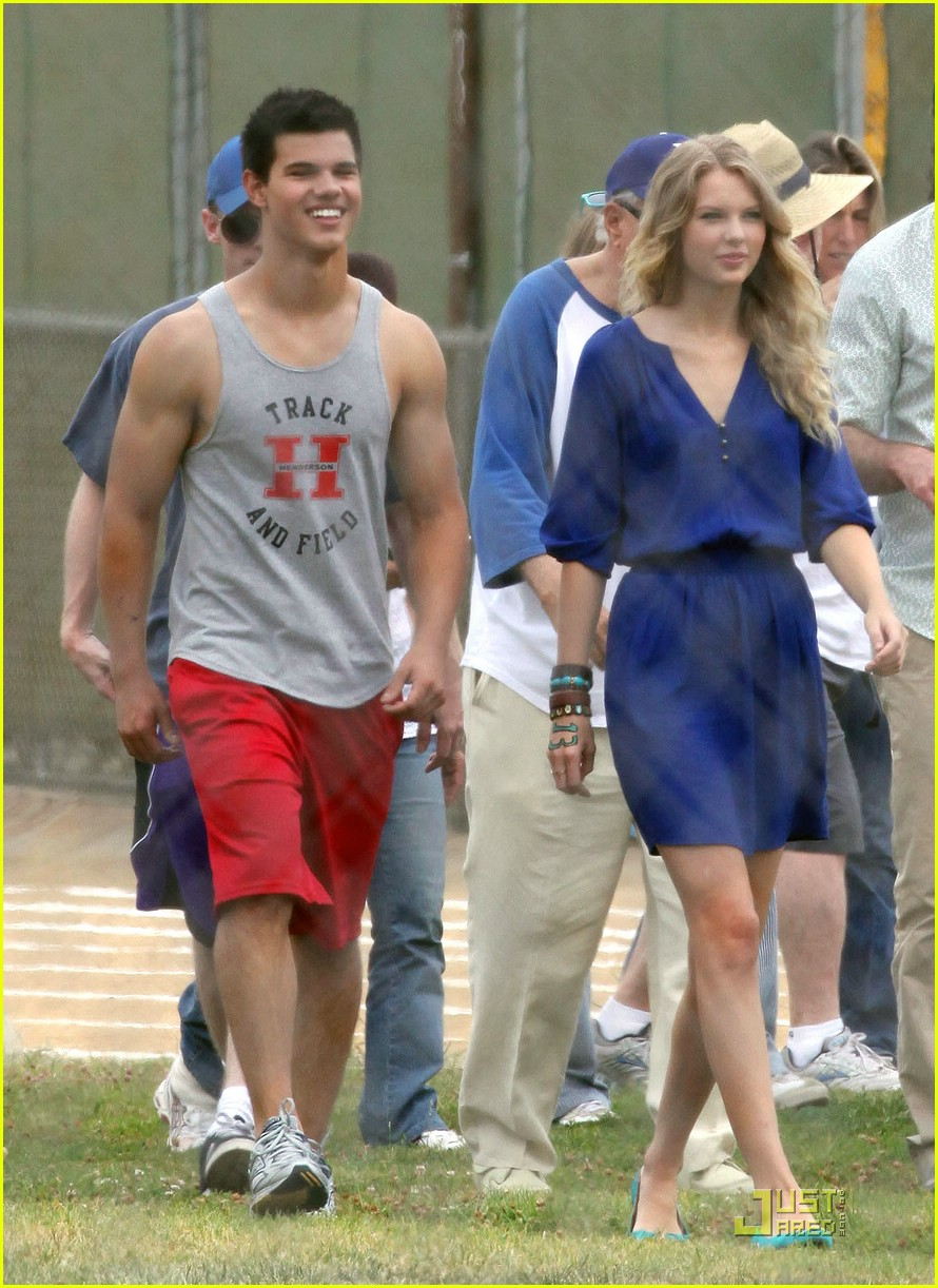 taylor lautner taylor swift valentines day 032089832