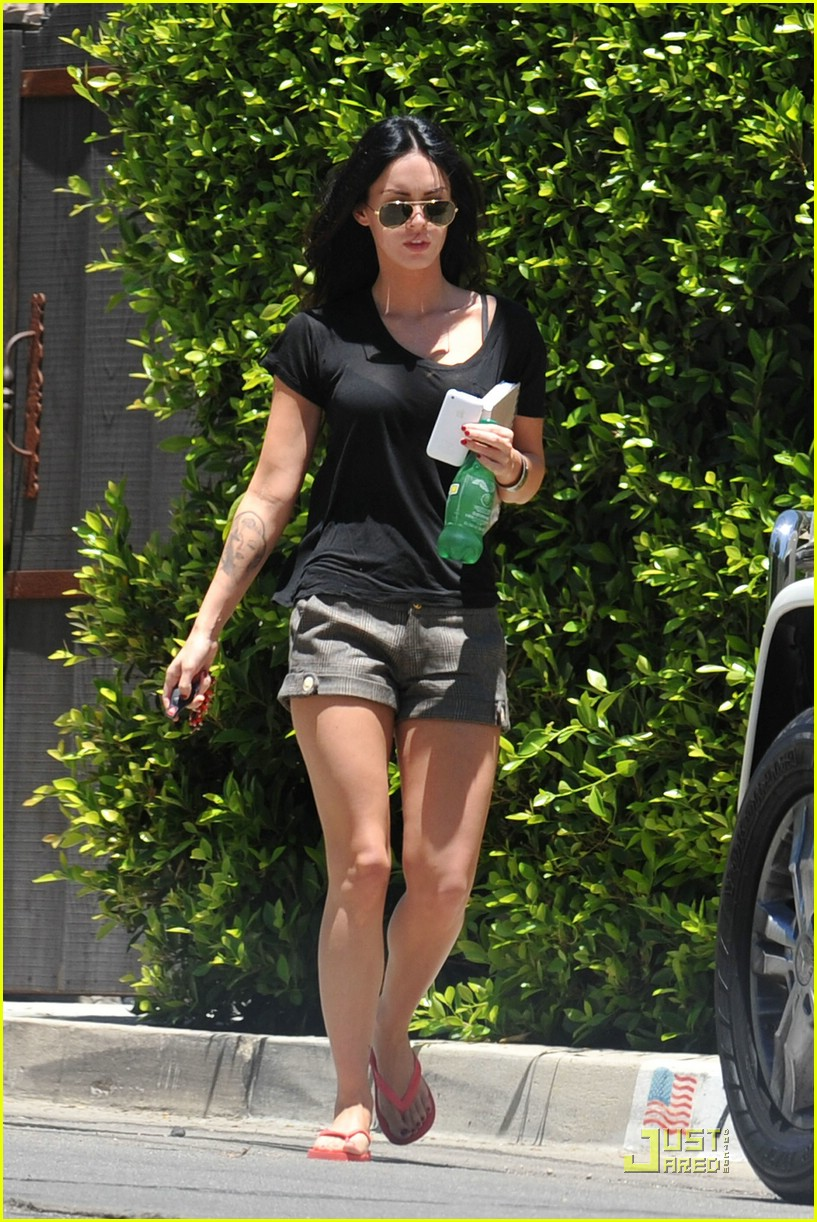 megan fox house hunting 062048381