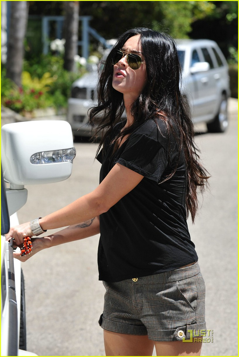 megan fox house hunting 10